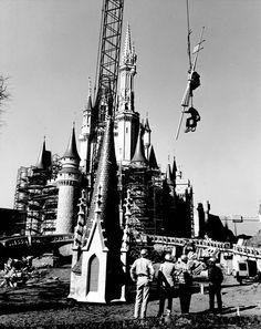 WDW Construction: CinderellaCastle - Imagineering Disney -
