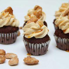 Mini sjokolade cupcakes med salt karamellfrosting