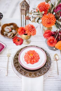 Orange dahlias: http://www.stylemepretty.com/living/2015/09/14/moroccan-backyard-soiree/ | Photography: Steve Steinhardt - http://www.stevesteinhardt.com/