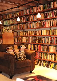 littledallilasbookshelf:  Part of Neil Gaiman's Library