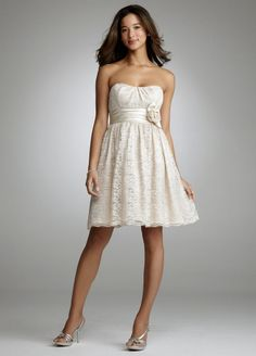 Lace Bridesmaid dress... LOVE! @Nicole Eileen