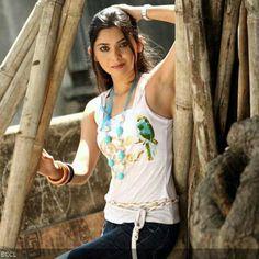 Sonalee's film to premiere at MWIFF- Upcoming Movies Sonalee Kulkarni, Grand Masti, Indian Beauty Saree, Upcoming Movies, Bollywood, Glamour, Actresses, Film, Womens Fashion