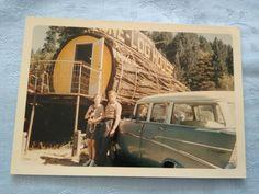 Retro private photo One-Log House with Chevrolet USA California 1968 RARE piece Chevrolet Usa, Army Recruitment, America Sign, Press Photo, Usa Flag, Personal Photo, Log Homes, Vintage Photos, California
