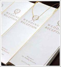 ゴールドの細字が上品で美しい…♡ クラシカルな白の席次表一覧。結婚式の席次表まとめ。