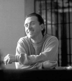 Tim Roth UwU Tim Roth Movies, Reservoir Dogs, Hollywood Stars, Actors & Actresses, Crushes, Celebs, Singer, Hands, Black And White