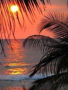 Couchée de soleil sur le Carbet Martinique pic.twitter.com/qdmvPu4f7A