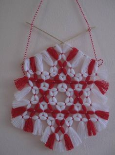 Fringes, Crochet Clothes, Dream Catcher, Tassels, Red And White, Burlap, Projects To Try, March, Inspire