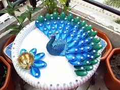Looking for DIYRoomDécor? Here you will find amazing plastic spoon peacock craft DIY Project that you would absolutely love to add this to your decoration ideas. Explore your craft ideas and update your living room interiors to give it an elegant look! Plastic Spoon Crafts, Plastic Spoons, Diwali Diy, Diwali Craft, Diy Craft Projects, Decor Crafts, Diy Crafts, Craft Ideas, Arti Thali Decoration