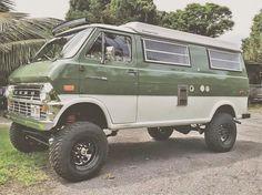 T old school van/camper and . Van 4x4, 4x4 Camper Van, Camper Life, Custom Camper Vans, Custom Vans, 4x4 Trucks, Ford Trucks, Ford 4x4, Ambulance