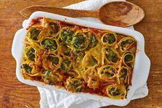 Het is weer eens wat anders: pasta opgerold in de oven - Recept - Allerhande