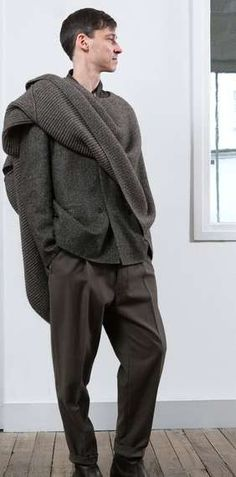 Visions of the Future: Neutral Over-Sized Menswear - The Christophe Lemaire 2013 F/W Collection is Nonchalant (GALLERY)