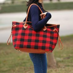 The perfect tote for a trip to the park beach or just to carry as a large purse. The versatility and quality is great. These will ship out late February