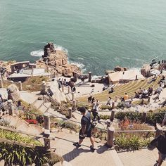 The Minack Theatre in Cornwall. Directly at the coast built basically by one woman. Cornwall, Theatre, Dolores Park, Coast, Woman, Building, Travel, Viajes, Theater
