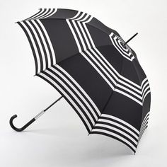 This Lulu Guinness umbrella opens automatically at the touch of a button and is stunning when you see it in real life. This umbrella has a luxurious black and white stripe canopy is from from the British designer Lulu Guinness. An umbrella that makes a statement and is very obviously different from the norm. http://www.theumbrellashop.co.uk/ladies-c14/double-canopy-c37/lulu-guinness-lulu-guinness-eliza-umbrella-in-black-and-white-stripes-p361