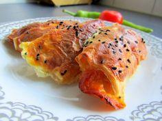 Mijn mixed kitchen: Paçanga kol böreği (opgerolde börek gevuld met Turkse pastrami en kaas)