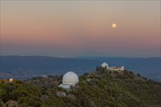 Solstice Dawn and Full Moonset Love Astronomy Picture of the Day follow @CutePhoneCases #Astronomy #PictureoftheDay http://ift.tt/1UUoVSO