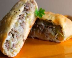 German Meat Pies - This hearty dish is perfect for those meat lovers. There are layers of delicious beef and other vege - Bisquick Recipes, Meat Recipes, Cooking Recipes, Curry Recipes, Polish Recipes, Recipies, Greek Recipes, Dinner Recipes, Polish Food