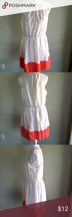 Old Navy Women's White Red Striped Dress Large Women's Creme colored dress  • old navy • Sleeveless style with keyhole slit back • Red dipped bottom • Sleeveless style Old Navy Dresses Midi