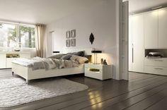 modernes schlafzimmer ecru möbel schiebetür begehbarer kleiderschrank