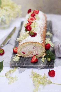 Fräulein Klein : Strawberry Roll