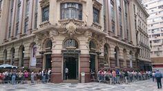 """Os visitantes da exposição """"Picasso e a Modernidade Espanhola"""", que acontece no CCBB – Centro Cultural Banco do Brasil, em São Paulo, poderão doar sangue enquanto aguardam nas filas da mostra, que têm espera de aproximadamente uma hora. A campanha começa às 9h da próxima segunda feira (27)."""