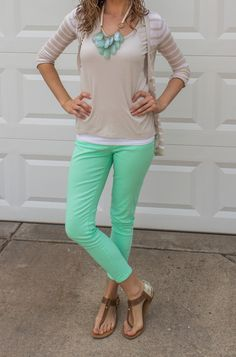 Love the color combo: tan/ mint/ white and brown!