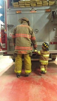Daddy son work day - melts my heart Firefighter Family, Firefighter Paramedic, Firefighter Pictures, Volunteer Firefighter, Daddy And Son, Father And Son, Boy Pictures, Senior Pictures, Newborn Photos