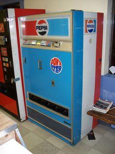 Vintage Pepsi Vending Machine by The Upstairs Room, via Flickr