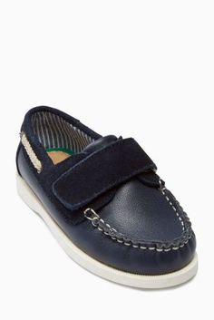 Navy Boat Shoe (Younger Boys Code: 394-343 Price £24