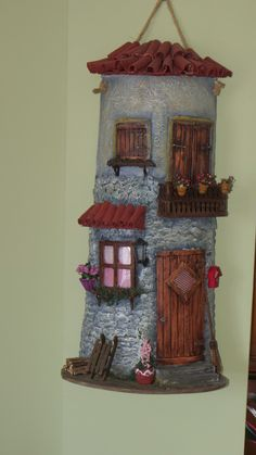 Clay Flower Pots, Play Clay, Roof Tiles, Miniature Houses, Fairy Houses, Clay Art, Bird Feeders, Sculpture Art, Biscuit