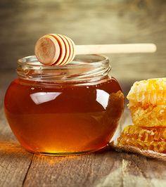 How To Make A Natural Sugar & Honey Exfoliating Mask Manuka Honey Health Benefits, Organic Skin Care, Natural Skin Care, Aloe Vera Face Mask, Honey Soap, Exfoliate Face, Exfoliating Scrub, Natural Sugar, Natural Remedies