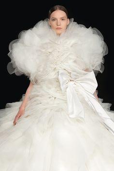 Valentino Couture, Valentino Women, Valentino Garavani, Vogue Paris, Couture Fashion, Fashion Show, Runway Fashion, High Fashion, 3d Fashion