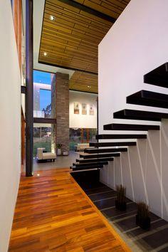 Staircase | Casa 2V, Ecuador by Diez + Muller Arquitectos |