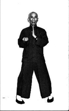 SWK Ip Man - Performing Wu Sao (Left) Wing Chun Martial Arts, Kung Fu Martial Arts, Martial Arts Training, Wing Tsun Kung Fu, Bruce Lee, Qi Gong, Ip Man, Warrior Spirit, Martial Artists
