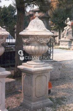 #ornamental #vase with #vicenza #stone. Garden Ornaments, Urn, Vases, Fountain, Garland, Planter Pots, Stone, Elegant, Outdoor Decor