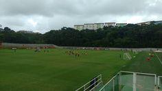 Suspensos, Ramon e Yago participam de treino técnico. Vitória encara o Fluminense no próximo domingo, no Barradão, pela 23ª rodada do Brasileiro