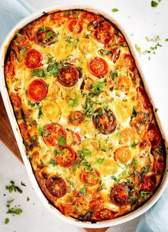 Easy Oven Baked Frittata with cherry tomatoes, spinach and Greek yoghurt. Perfect for meal prepping lunches for the whole family. Oven Baked Frittata, Easy Frittata Recipe, Vegetable Frittata, Frittata Recipes, Spinach Frittata, Vegetable Dishes, Egg Recipes, Brunch Recipes, Breakfast Recipes