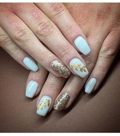 #Whiteandgoldnailsart #nails #nailart #whitenails #goldnails #Art #nailsswag