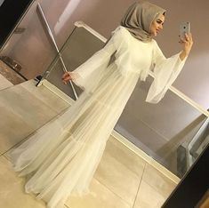 The 20 Most Beautiful White Hijab Evening Dresses Hijab Evening Dress, Hijab Dress Party, Hijab Outfit, Evening Dresses, Modest Fashion Hijab, Modern Hijab Fashion, Hijab Chic, Fashion Dresses, Iranian Women Fashion
