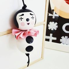 Bead Crafts, Diy Crafts, Diy For Kids, Crafts For Kids, Making Wooden Toys, Tiny Dolls, Pin Art, Kokeshi Dolls, Wooden Dolls