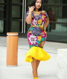 Merci dêtre passé dans ma boutique! Apparaître élégant avec ce look simpliste! Cette robe est faite de tissu ankara de qualité et est livré avec un peplum amovible en fourrure, ce péplum peut être relooké de différentes façons. Il est entièrement doublé et a une fermeture éclair
