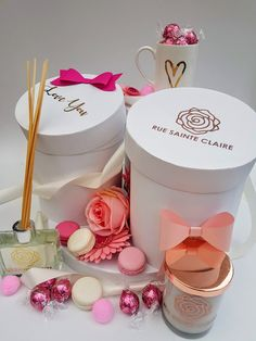 www.linktr.ee/ontrendmarketing  for #giftideas #gifts #giftsforher #giftsforfriends #giftsformom #giftboxes #gifthampers Gifts For Friends, Gifts For Mom, Gift Hampers, Gift Packaging, Gift Boxes, Paper Flowers, Paper Crafts, Templates, Diy