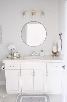 Home Interior Living Room Bright White Guest Bathroom Transitional Elegant Interior Living Room Bright White Guest Bathroom Transitional Elegant Guest Bathrooms, Chic Bathrooms, Small Bathroom, Country Bathrooms, Feminine Bathroom, Half Bathrooms, White Bathroom, Modern Bathroom, Master Bathroom