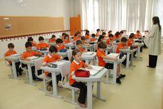 Porque as escolas tradicionais- as primeiras colocadas nos exames nacionais de avaliação- podem causar danos aos alunos.