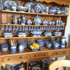My favourite porcelain Spode blue Italian , my every day China Blue Willow China, Blue And White China, Blue Dinning Room, Dining Room, English Cottage Interiors, Dish Display, Diy Kitchen Island, White Dishes, Blue Pottery