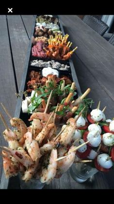 Rockwell Catering and Events is proud to cater all throughout Utah since We specialize in wedding catering, private catering & corporate catering. Party Food And Drinks, Snacks Für Party, Appetizers For Party, Appetizer Recipes, Cooking Recipes, Healthy Recipes, Food Platters, Appetisers, Food Presentation