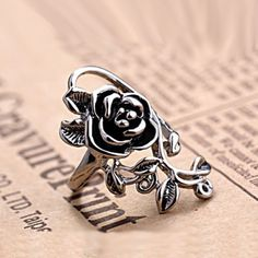 Unique and Gorgeous Vintage Flower Marcasite Silver With White Gold Plated Women's Ring - USD $37.95