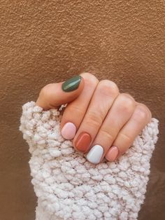 12 popular winter nail art trends that you need to try as soon as possible Ecem . - 12 popular winter nail art trends that you need to try as soon as possible Ecemella, out - Winter Nail Art, Winter Nails, Spring Nails, Fall Nails, Ten Nails, Nagellack Trends, Chrome Nails, Nagel Gel, Nail Polish Colors