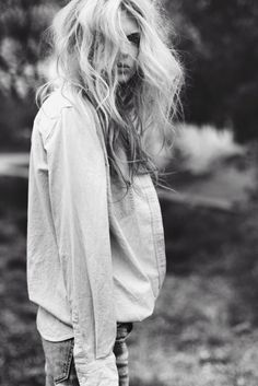 this is what my hair looks like when i wake up in the morning...