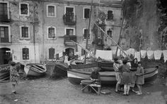 Barcelona, la Barceloneta 1927 Barcelona City, Barcelona Catalonia, Old Photographs, Wanderlust Travel, Old Pictures, Street Photography, Spain, Europe, Black And White